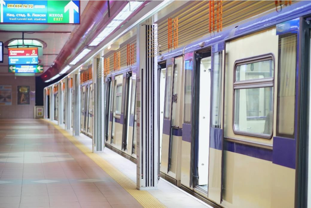 Automatic platform screen doors installed at Sofia's metro stations