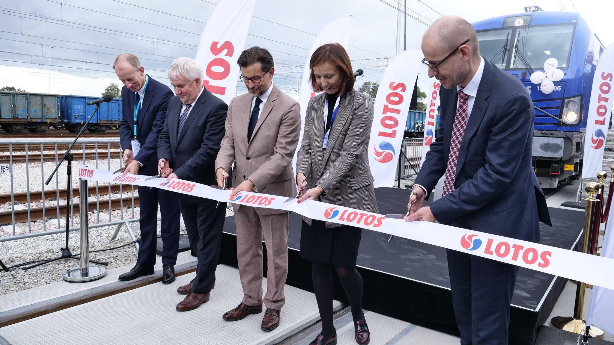 Lotos Kolej unveils its Vectron MS locomotive